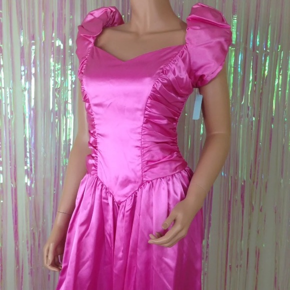 f793aa3648 Vtg pink 80s prom dress bows puffy sleeves ugly. M 5ac672e1077b97f4b2b3b0c3